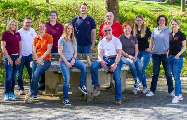 Das Team der Netzwerk Akademie Praxen gGmbH mit seinen Standorten in Bestwig, Hallenberg und Züschen. Foto: SMMP/Ulrich Bock